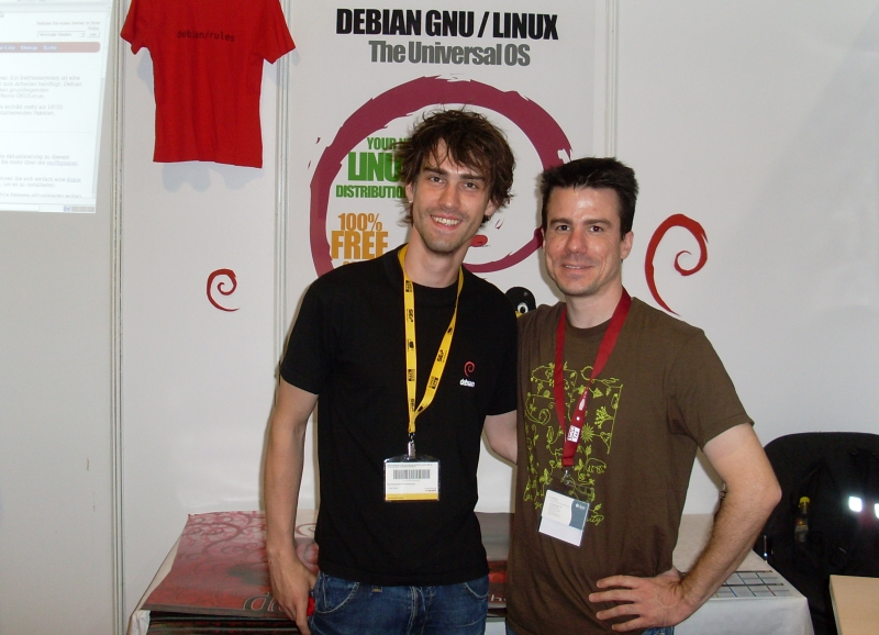 Ian Murdock and Bastian Venthur at Linuxtag 2008